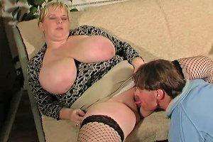 Bbw Whore With Huge Melons Gets Her Pussy Eaten Out